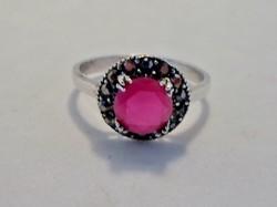 Csodálatos rubin köves ezüst gyűrű