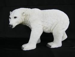 Nagy méretű jegesmedve szobor