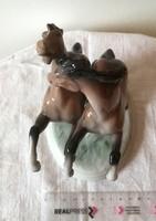 Ágaskodó lovak - Unterweissbach porcelán szobor