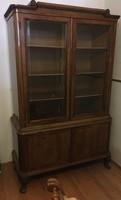 Antik könyvszekrény, vitrin, alul ajtós tárolóval