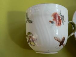 Herendi antik csésze aljjal, virágos-bogaras, 1900 körül