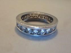 Gyönyörű kőrben köves ezüstgyűrű