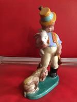 Gyönyörű nagy méretű Art Deco Komlós kerámia gyűjteményből Fiú kutyával hibátlan 30 cm