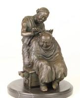 Kínai fodrász-barber jelenet bronzszobor