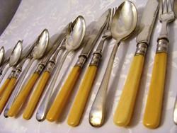 Gyönyörű ezüstözött, antik 6 személyes kés -villa -kanál, evőeszköz készlet