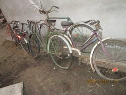 Régi  bicikli  alkatrészek