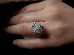Mega:40 db gyémánt 0.80ct 585/14kr.arany.Mester jegyes