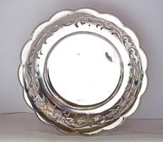 Áttört mintás,golyólábú ezüst tál.
