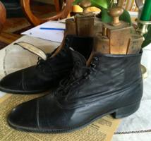 Antik,méretre készített sevrobőr cipő kaptafájával