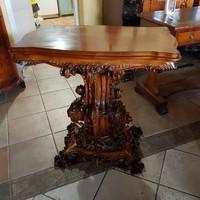 Antik dúsan faragott rokokó asztal