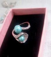 Káprázatos KÉK gyöngyös -cirkon köves ezüst gyűrű
