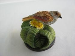 Veréb madár figura