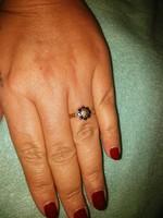 Arany gyűrű természetes zafírral és gyémánttal