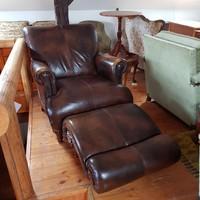 Nagyon szép bőr fotel+ lábtartó