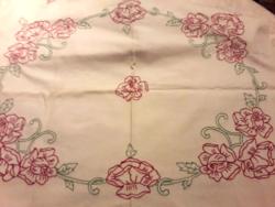 Hímzett vászon terítő 66* 51 cm