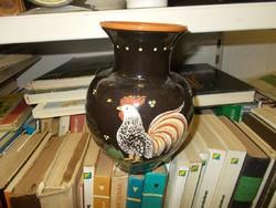 Majolikás kakasos váza