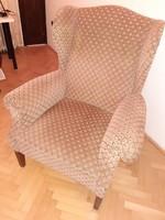 Kényelmes füles fotel