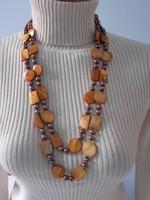 Hosszú, tekla és kagyló gyöngyökből fűzött nyaklánc