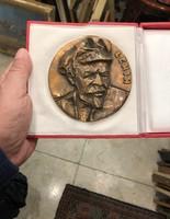 Sapkás Lenin bronz plakett, eredeti dobozában, 10 cm-es,ajándéknak