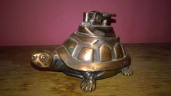Figurális , asztali öngyújtó - teknősbéka
