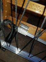 Alumínium fogas, és kalaptartó, remek állapotban, méteres, sok akasztóval, sínen mozognak