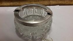 Ezüst szélű kristály hamutartó