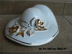 Porcelán női kalap alakú Gilde,aranyozott díszítéses dísztárgy