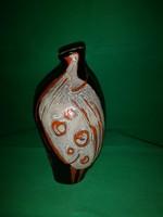 Gorka Lívia madaras váza