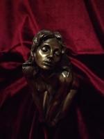 Akt szobor, bronz színű erotikus női alak