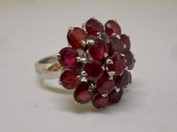 Szép nagy valódi rubinköves ezüst gyűrű