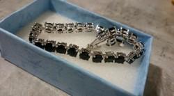 Elegáns 925 ezüst karkötő fekete kővel