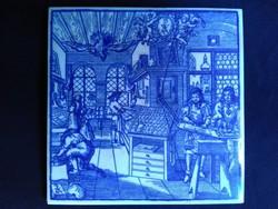 Régi kék fehér jelenetes kerámia csempe kép
