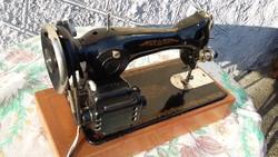 Orosz varrógép, retro, régi