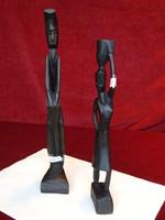 Afrikai kézzel készült embert ábrázoló, fa figurális szobor, magassága 30 cm.