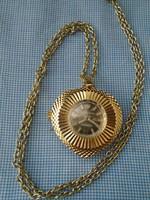 Nagyobb méretű női nyaklánc svájci medál óra  szép darab  38,7 gramm