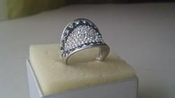 Ezüst, nagyon dekoratív impozáns jelzett 925 ös gyűrű