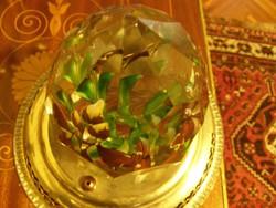 Levélnehezék ólomkristályból