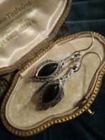 Ezüst egyedi fülbevaló onix kővel