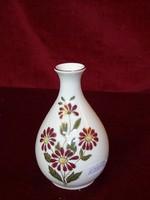 Zsolnay porcelán váza, magassága 11,5 cm.