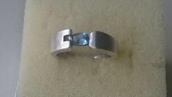 Ezüst, Akvamarin kővel díszített ezüst gyűrű 925