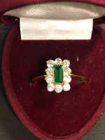 Briliáns gyűrű smaragdal