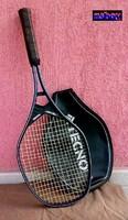 Régiség Techno, profi teniszütő, használható állapotban, eredeti tokjában, feszes húrokkal