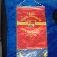 Kiváló KISZ Szervezet zászó, régebbi, évszám nélküli változat