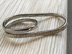 Kétujjas nemesacél gyűrű apró kristályokkal, jelzett Victoria