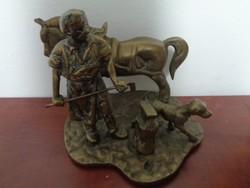 Rendkívüli réz kovács szobor kutyával, lóval, üllővel