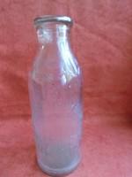 Régi tejes üveg