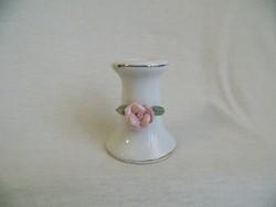 Porcelán rózsás gyertyatartó 7,5 cm magas (12/d)