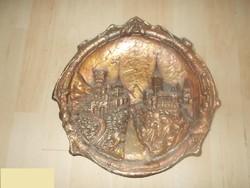 Bronzírozott fém falidísz középkori vár jelenettel
