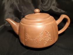 Régi kínai égetett agyag teáskanna, kalligrafikus díszítéssel, újszerű, nem használt állapotban