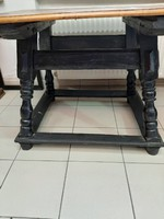 1600 évekből asztalka